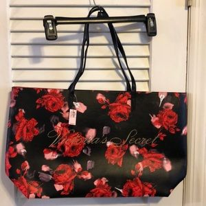 NWT Victoria's Secret Rose tote bag! 🌹